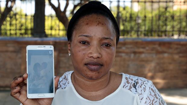 Oumo Totopa se desespera después de seis meses sin poder hablar con su pequeño Abderraman de cuatro años