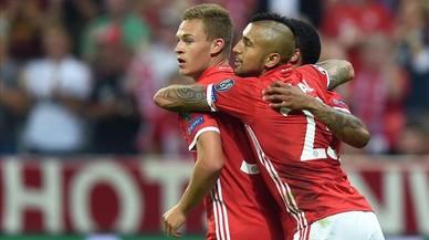 El Bayern arrasa i el PSG només empata amb l'Arsenal