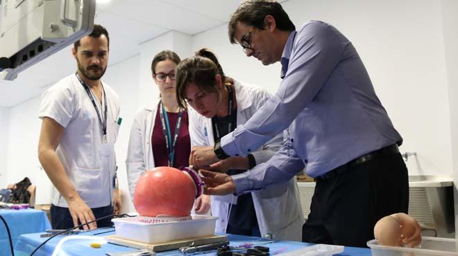 Vall d'Hebron amplía la cirugía con laparoscopia a bebés de apenas 1,5 kilos