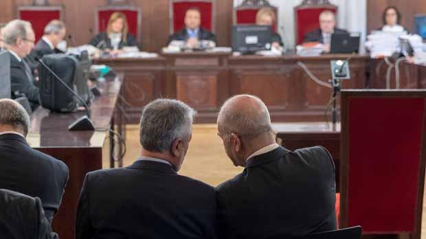 Comença el judici dels ERO contra 22 ex alts càrrecs del Govern andalús