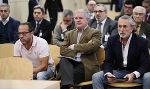 Álvaro Pérez Alonso, el Bigotes, Pablo Crespo y Francisco Correa, el lunes en el juicio por la Gürtel valenciana en San Fernando de Henares (Madrid).