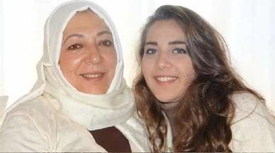 Asesinadas una prominente opositora siria y su hija en Estambul