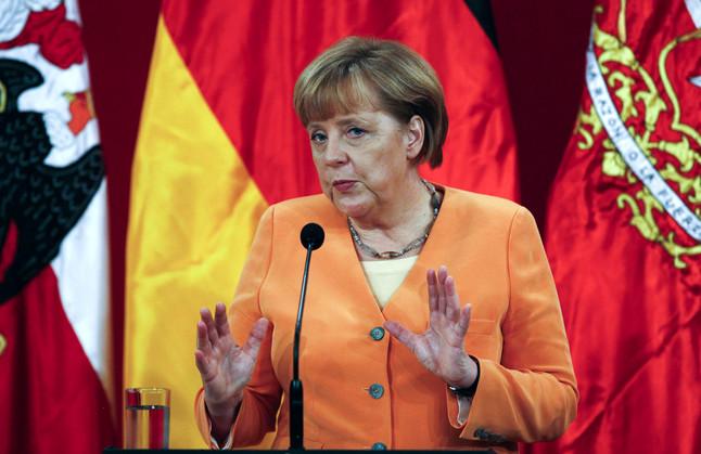 Merkel dice que Alemania hace su parte y anima a Espa�a exportar a Latinoam�rica