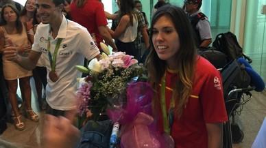 Badalona recibe a las medallistas olímpicas Mireia Belmonte y Anna Cruz