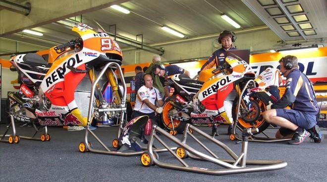 El box del equipo Repsol-Honda en Brno, Rep�blica Checa