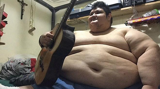 El hombre más obeso del mundo incia un tratamiento para bajar de los 500 kilos