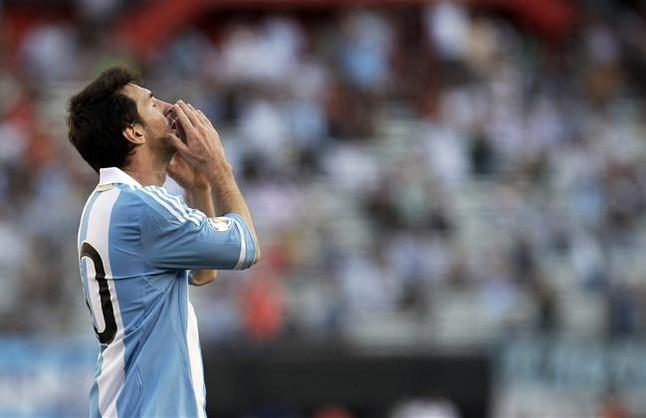 Messi se queda sin marcar en Arabia Saud�