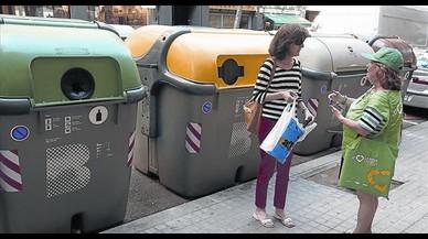 Recogida selectiva. Campaña a pie de calle con informadores del AMB.