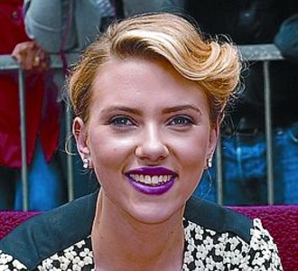 Johansson descubre su estrella de la fama_MEDIA_1