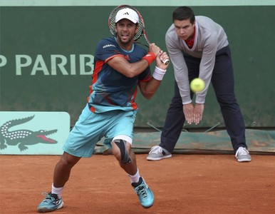 Verdasco devuelve una pelota en su partido contra el italiano Seppi.