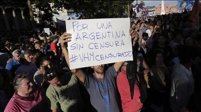 Protestes a l'Argentina per l'acomiadament del popular periodista que va cantar el gol de Maradona al Mundial del 86