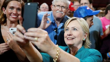 L'FBI fa públics els documents de la seva investigació a Clinton