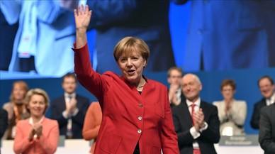 Merkel es llança cap a un quart mandat amb un enduriment del seu discurs migratori