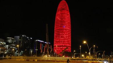 La torre Agbar es rendeix i renuncia a convertir-se en hotel
