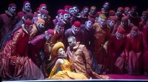 Una escena del Rigoletto de Carlos Álvarez, en el Liceu.