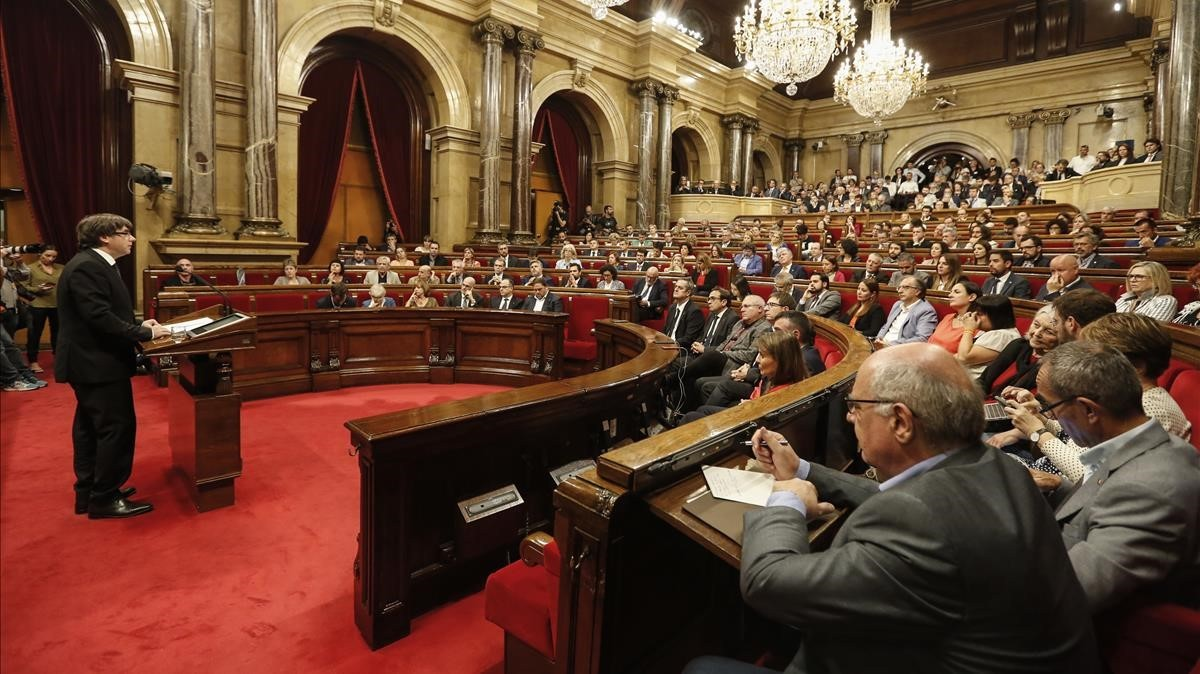 zentauroepp40498937 barcelona 10 10 2017 carles puigdemont president de la gene171101174806