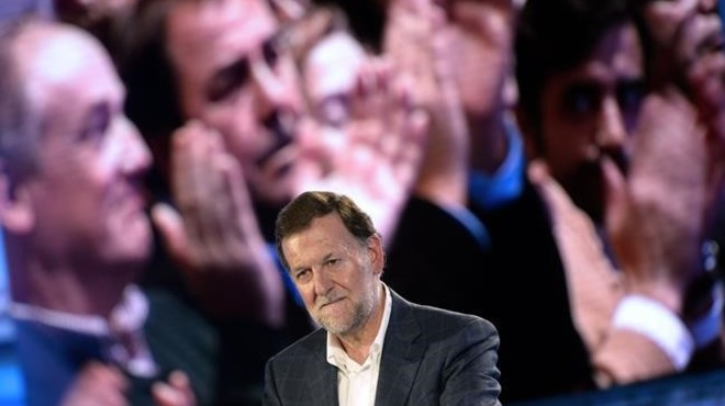 Cop del PP a les xarxes socials després del cop de puny a Rajoy a Pontevedra