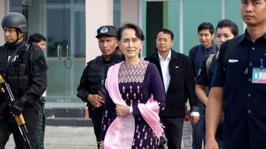 La líder birmana visita per primera vegada la zona de conflicte dels rohingyes