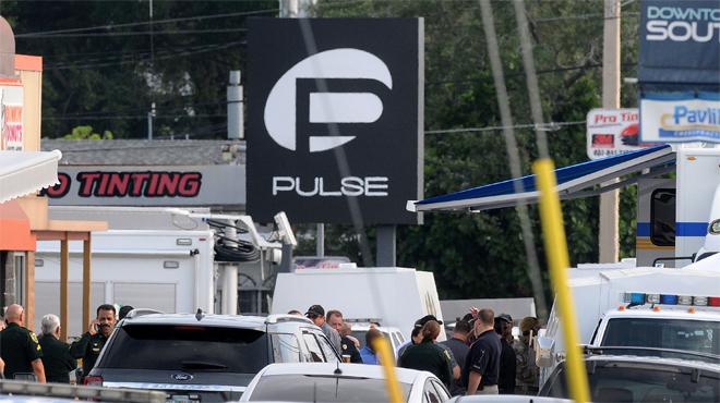 Una noia va gravar amb el mòbil el moment de l'inici del tiroteig al club Pulse