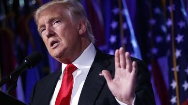"""Trump afirma, sense proves, que """"milions de persones van votar il·legalment"""""""