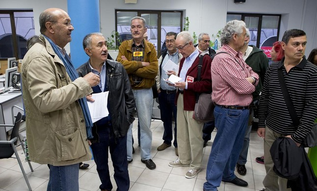Les assemblees d 39 aturats i els sindicats ocupen les for Oficinas soc barcelona