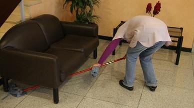 Solo dos de cada tres empleadas del hogar están dadas de alta en Seguridad Social