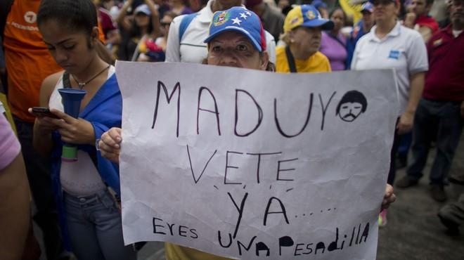L'oposició de Veneçuela intenta anul·lar al Parlament l'estat d'excepció decretat per Maduro