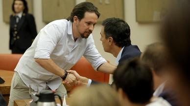 Sánchez se acerca a Iglesias e intenta atraer a Rivera
