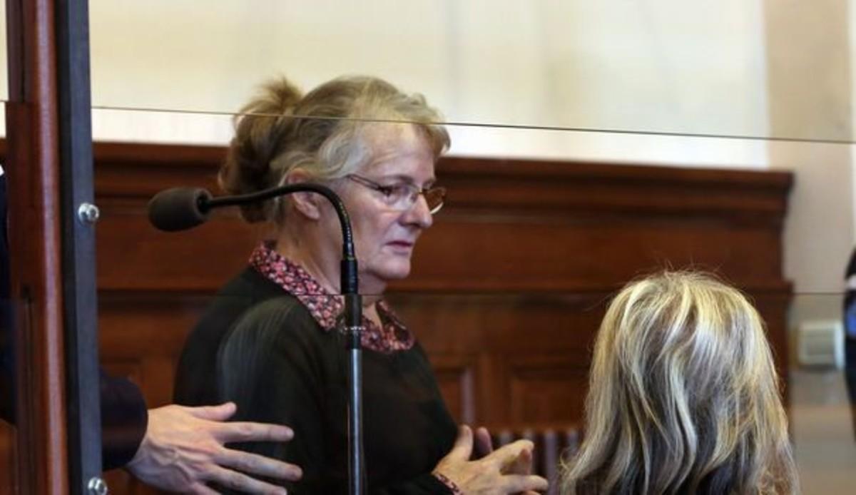 Hollande indulta la dona que va matar el seu marit maltractador