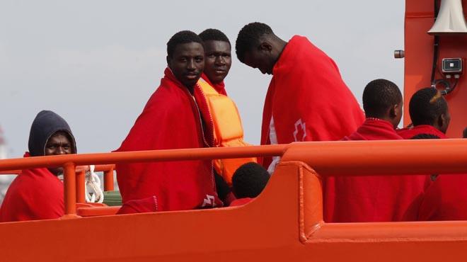 Rescatades 52 persones de dues pasteres que intentaven arribar a la costa almerienca