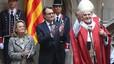El presidente Artur Mas junto al cardenal arzobispo de Barcelona, Lluís Martínez Sistach, en el Palau de la Generalitat. A su izquierda, su esposa, Helena Rakosnik
