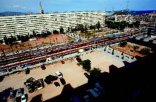 La crisis inmobiliaria retrasa y encarece la reforma de la for Subastas pisos barcelona