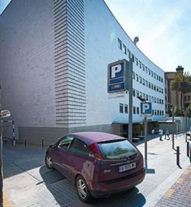 Los párkings más caros de Barcelona están en los hospitales
