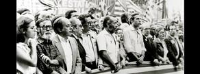 La 'senyera' que abría la manifestación de la Diada, en 1978.