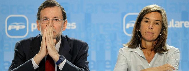 Ana Mato y Rajoy, en abril del 2011.