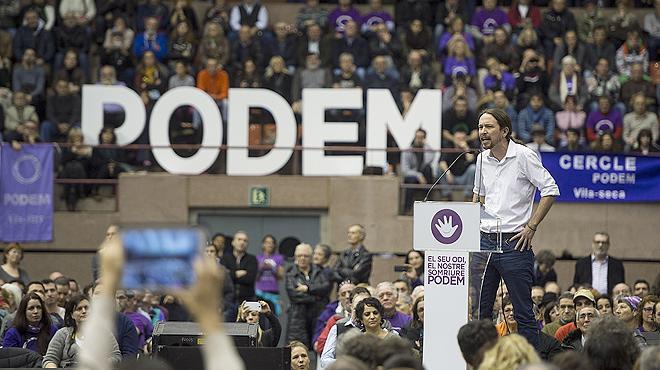 Pablo Iglesias, l�der de Podemos, ha 'debutado' en Barcelona llenando el pabell�n de la Vall d'Hebron.