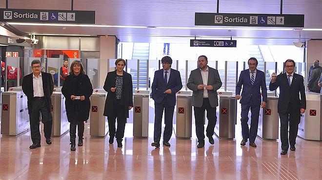 Viaje inaugural de la L9 Sur del metro hasta el aeropuerto