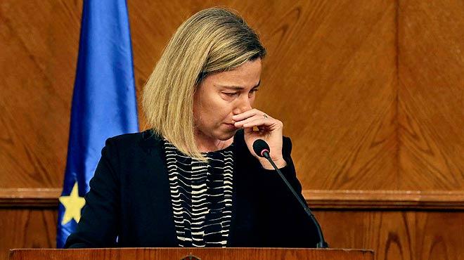 Federica Mogherini no puede reprimir las lágrimas al condenar los atentados de Bruselas