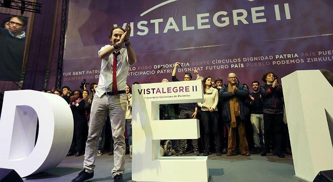 Clara victoria de Iglesias frente a Errejón