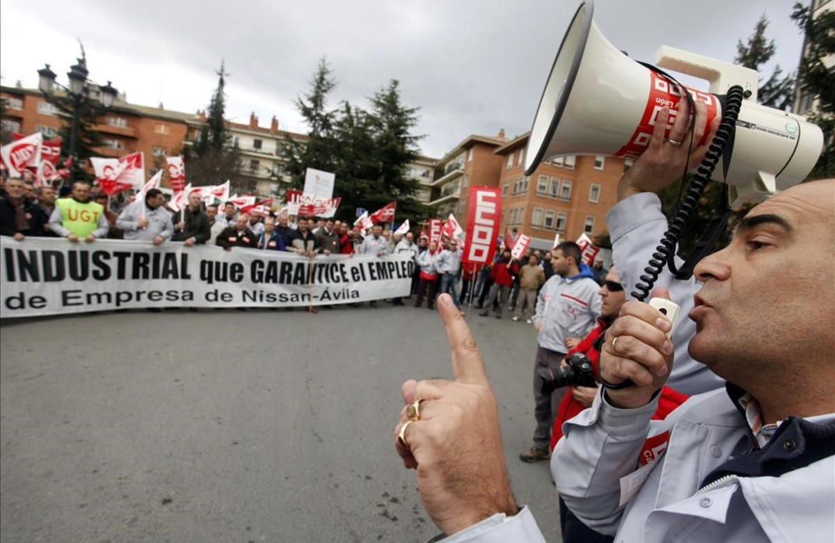 zentauroepp12273257 workers of the nissan factory in avila protest during a marc170420144302