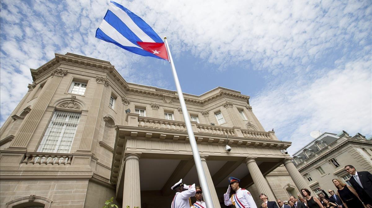 edificio de la embajada de eeuu en la habana