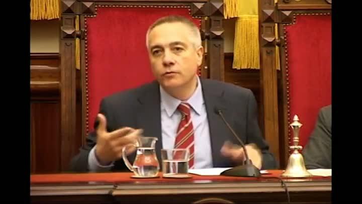 El vídeo recoge las intervencions de Pere Navarro, hasta ahora alcalde de Terrassa; el jefe del grupo de CiU, Josep Rull, y el del Partit Popular, Gabriel Turmo.