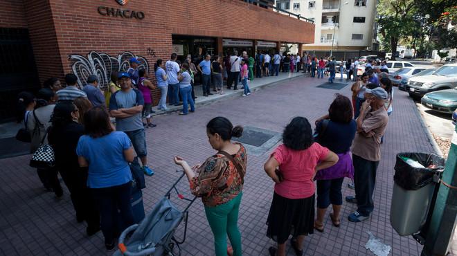 LA CADA VEZ M�S COMPLICADA TAREA DE ENCONTRAR MEDICAMENTOS EN VENEZUELA
