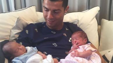 Cristiano Ronaldo ingresa en el club de los padres de gemelos a la carta