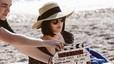 Alejandro Amenábar dirigeix Dakota Johnson en l'anunci estiuenc d'Estrella Damm