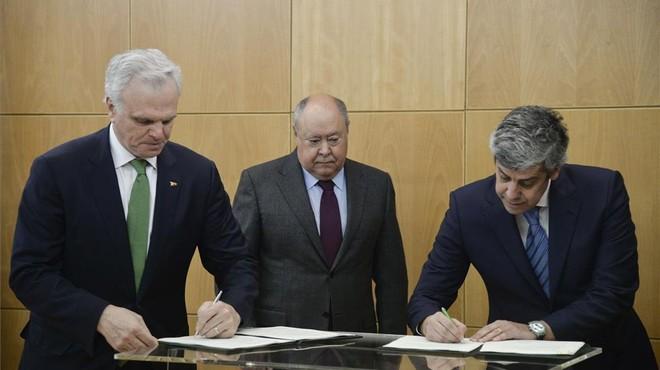 Firma del acuerdo sobre TAP entre el Gobierno de Portugal y Gateway.