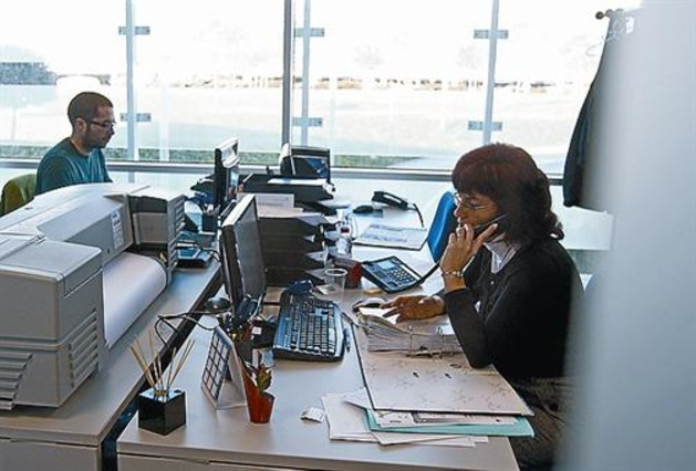 Oficinas compartidas para bajar la desocupaci n en viladecans for Oficinas compartidas