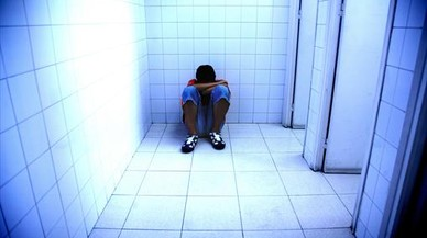 Las llamadas por 'bullying' al teléfono de la infancia se multiplican por ocho en seis meses