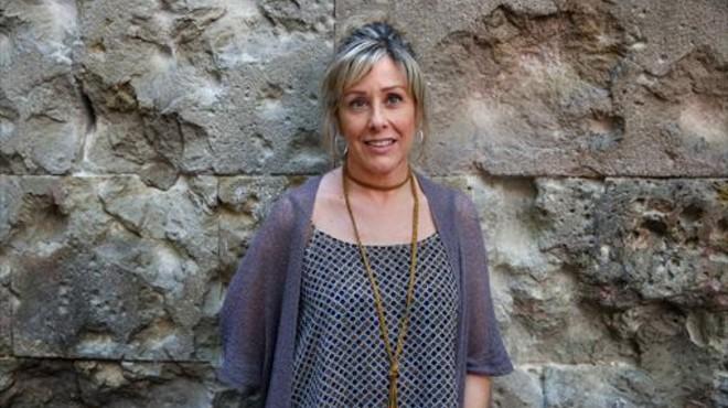 Eva Erill: �Un 'like' no da agua a un ni�o refugiado; un euro, s�