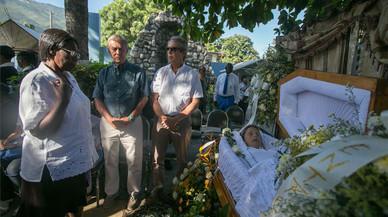 Enterrada la monja catalana que va ser assassinada a Haití